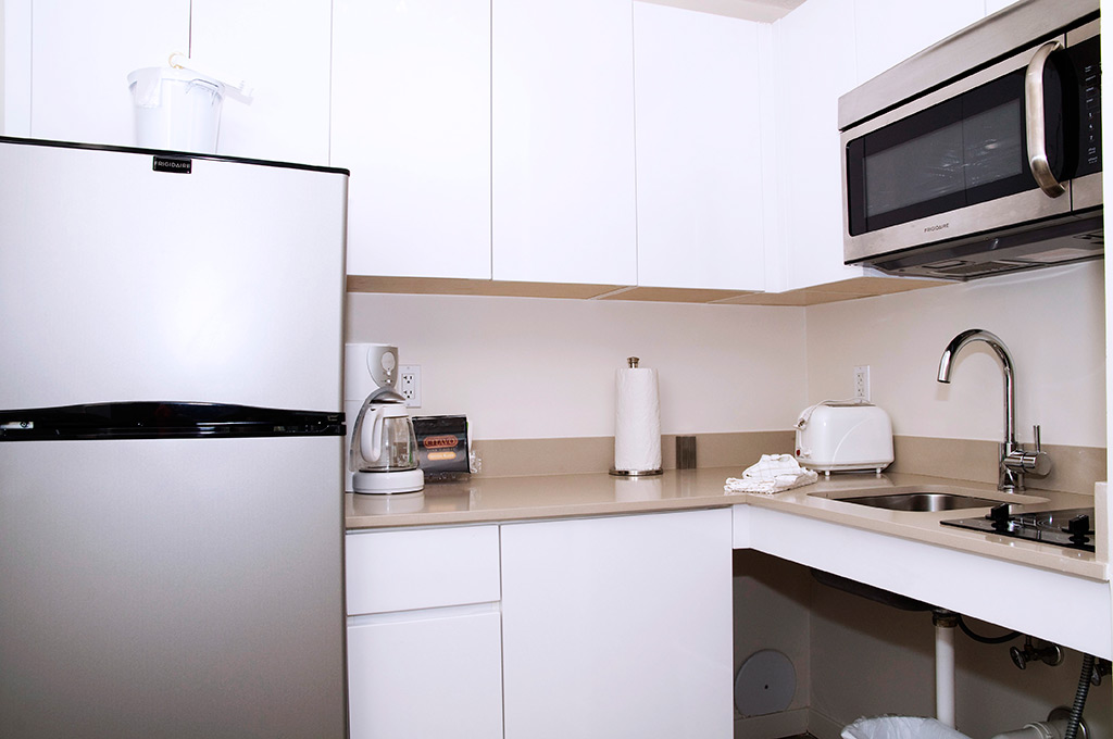 fully-equipped-kitchen